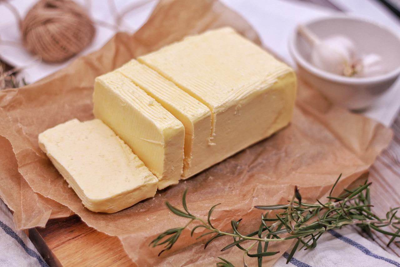 La leche y los productos lacteos - mantequilla